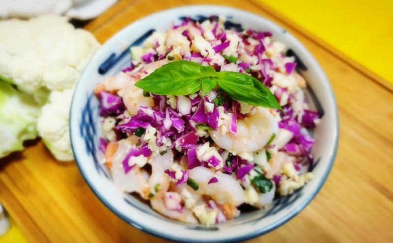 エビとカリフラワーライスのサラダ ~geefee レシピ~