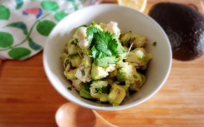 チキンとアボカドのサラダ~geefeeレシピ~