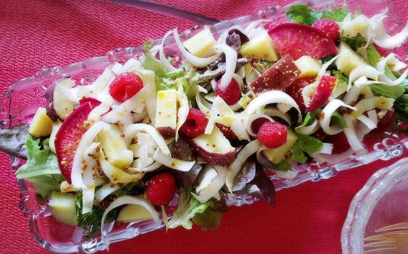チコリとラズベリーのサラダ~geefeeレシピ~