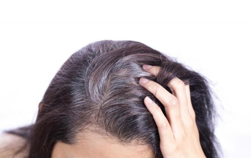 染髪しない選択肢も。髪を染めるとどんな健康リスクが?