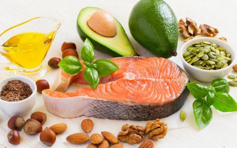 脂肪(脂質)は太るし不健康という誤解。低脂肪食品が結果的に健康に与える悪影響とは?