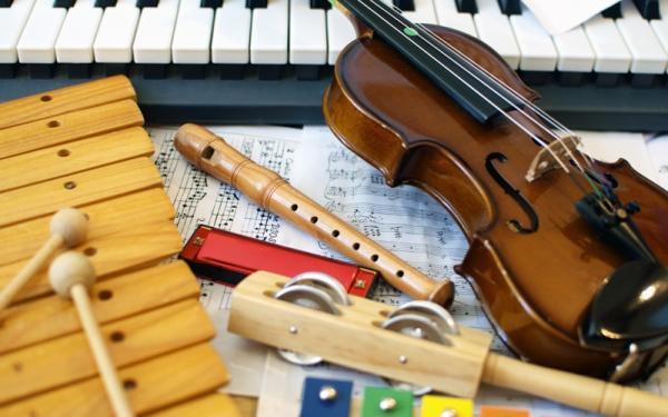 赤ちゃんからお年寄りまで、音楽が脳やストレスレベルに与える効果を科学的に検証