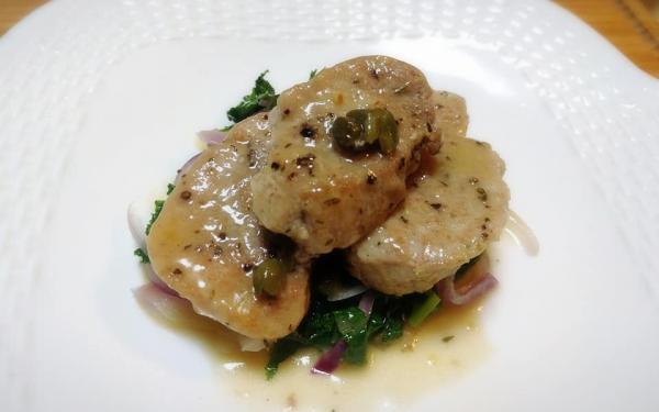 豚ヒレ肉のアップルビネガー煮