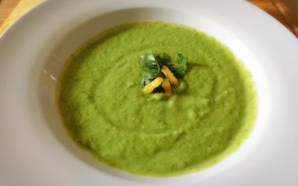 アボカドとキュウリの冷たいスープ