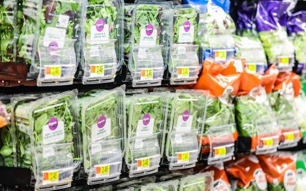 便利なカット野菜は実は加工食品?その安全性は?