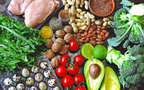 そのケトン食ダイエットのやり方は間違っている?「ダーティケト」の問題点から学ぶ食品添加物の害。