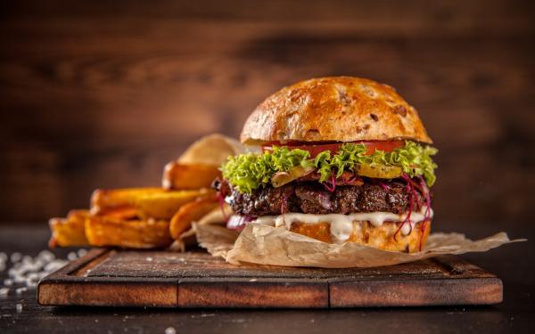 最近アメリカで話題の人工肉ハンバーガーって体にいいの?