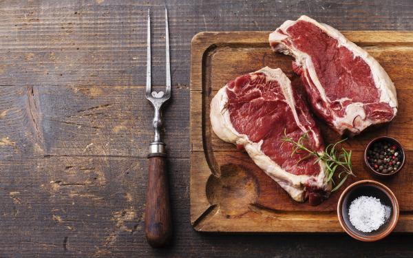 肉食ダイエットでリウマチが改善。抱えている疾患は食事が原因かも?