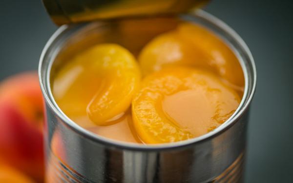 そろそろ卒業しよう、砂糖がどっさり入ったフルーツ缶。