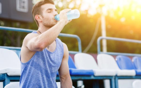 夏の脱水症や熱中症対策にスポーツドリンクや塩分チャージタブレッツって必要?