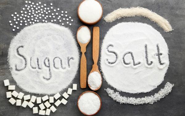 最も身近な調味料の砂糖と塩。その関連性と向き合い方。